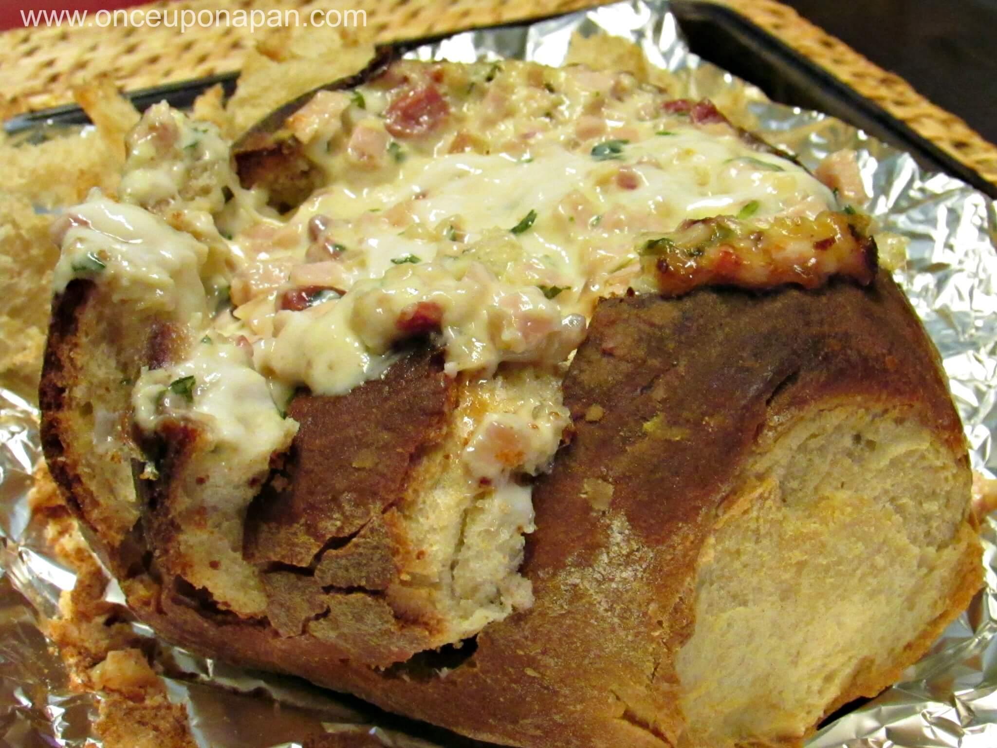 Bread stuffed with ham and mushrooms