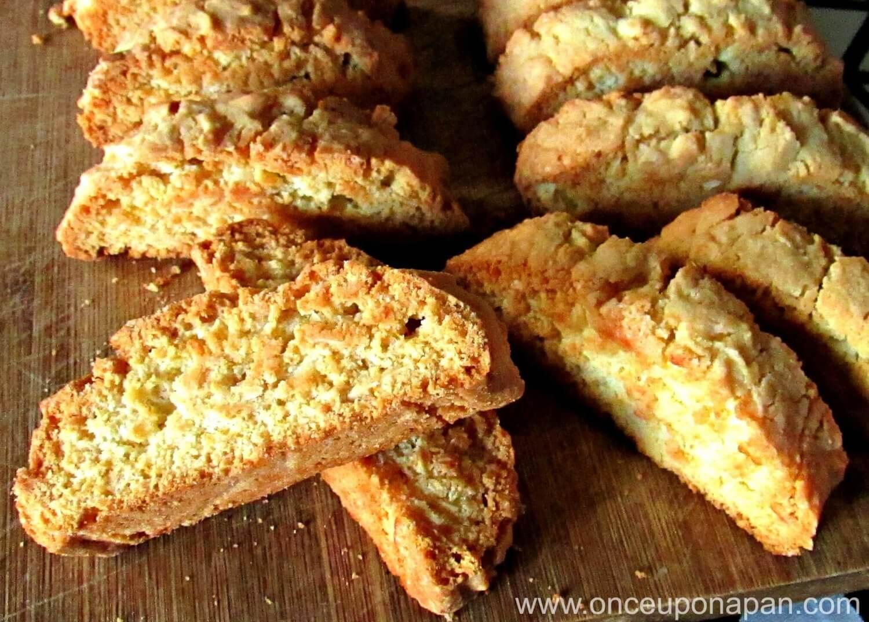 Amaretti biscotti with almonds